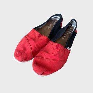 TOMS Red & Navy Slip On Flat Shoes W8.5
